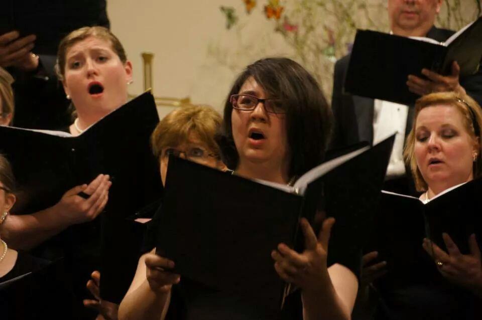 Jamie sings with Sonare